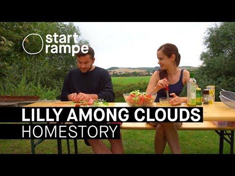Startrampe: Fridl besucht Lilly Among Clouds in ihrem Garten - und wagt sich aufs Wasser