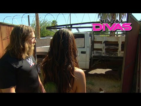 Brie Bella Installs A Razor Wire Fence: Total Divas, January 25, 2015 video