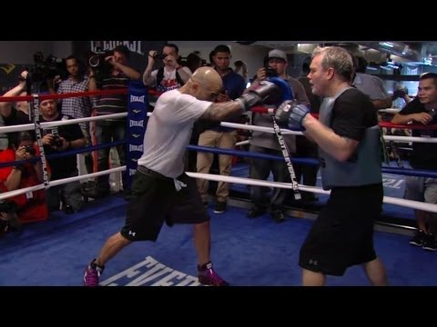 Cotto vs. Martinez- Miguel Cotto media workout highlight video
