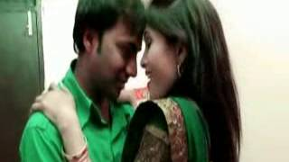 Las las kare dehiya hot song