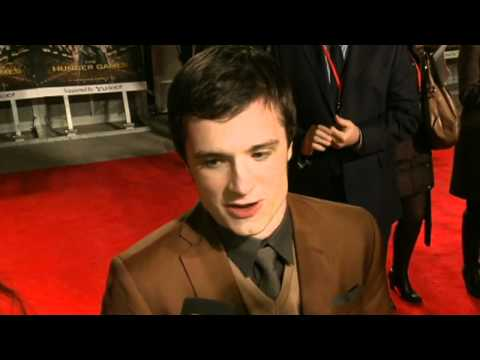 Josh Hutcherson talks dating fans at UK Hunger Games premiere