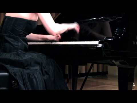 Anna Shelest plays Mussorgsky Pictures at an Exhibition (excerpts)