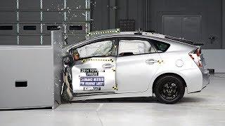 2014 Toyota Prius small overlap IIHS crash test