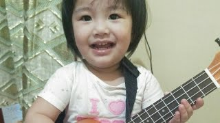 Daughter Does the Action Song, Mom plays the Ukelele- Baby Shark