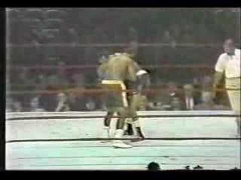 Joe Frazier vs Bob Foster Video