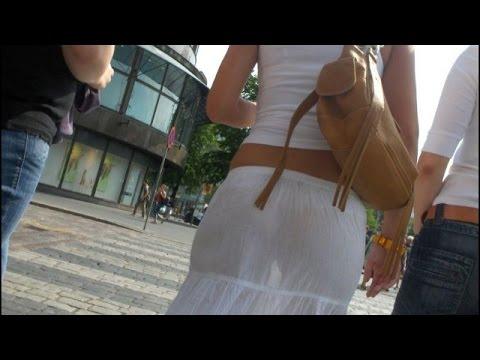 Прозрачные платья на улицах.  Transparent dresses on the streets.