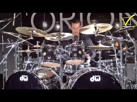 Thomas Lang Drum Kit - DW Drums klip izle