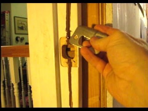 How to fix a door frame