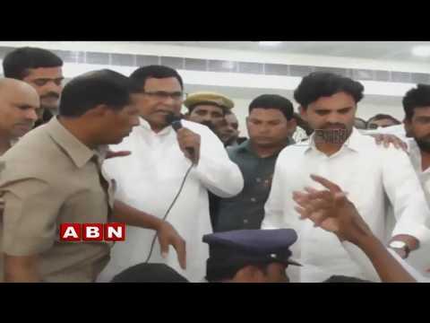 జానారెడ్డికి వ్యతిరేకంగా నినాదాలు| Congress Cadre demands to give Miryalaguda seat for Tribal member