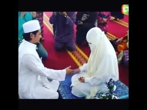 The pious sister - muslim couple (Malaysia)