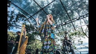 Download Lagu Florence and the Machine - Queen Of Peace (Acoustic) Live at Sydney's Botanical Gardens Secret Show Gratis STAFABAND