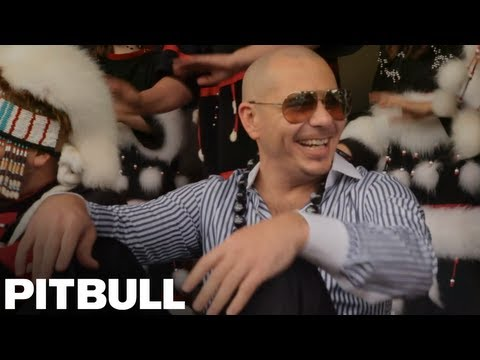 Pitbull Visits Kodiak, Alaska - Walmart and Sheets Challenge