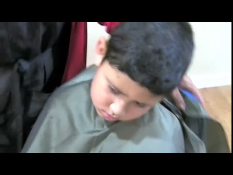 Machine Haircut step by step - Corte de cabello de hombre a maquina