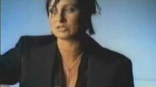 Watch Kasey Chambers On A Bad Day video