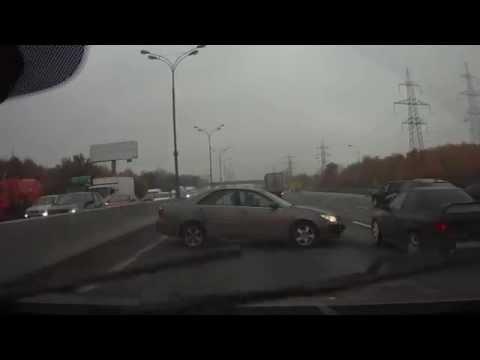 Дорожный «Талалихин» устроил неслабый замес на МКАДе