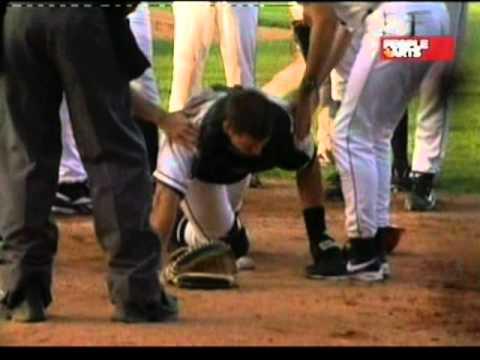 Violento choque entre jugadores de beisbol en pleno partido en vivo