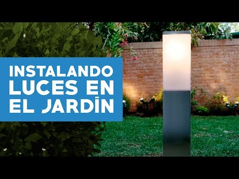 C mo instalar luces en el jard n youtube for Luces colgantes para jardin