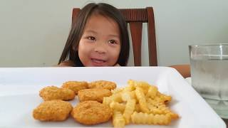 CHICKEN NUGGETS AND CRINKLE CUT FRIES
