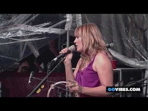 Grace Potter & The Nocturnals Perform White Rabbit at Gathering of the Vibes 2009