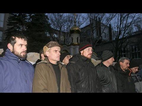 Ukraine and pro-Russia rebels swap prisoners