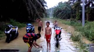 Banjir genangi Rumah di Dusun Mudo dan Lubuk Sebontan 1 Maret 2016