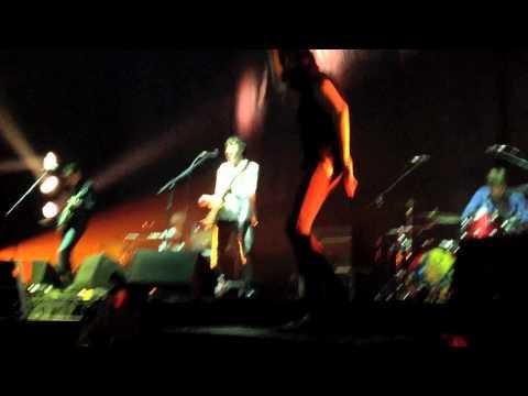 Miles Kane - Inhaler Featuring Sergio Pizzorno of Kasabian Glasgow SECC (Serg Dances)