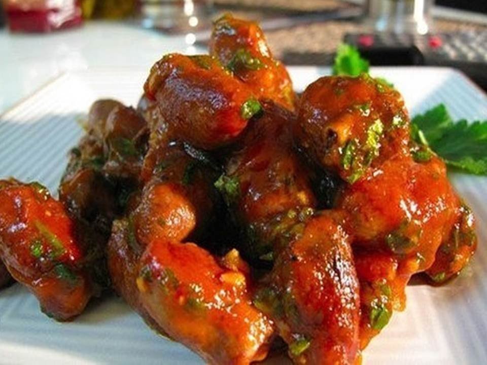 Куриные сердечки в томатном соусеы