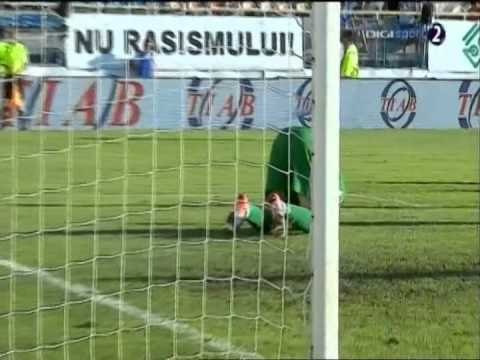 Watch video highlights from Kiko Naumovski appearances for Dinamo Bucuresti. Kristijan Naumovski, born 17 September 1988 is a Macedonian international football goalkeeper. http://http://www.digis...