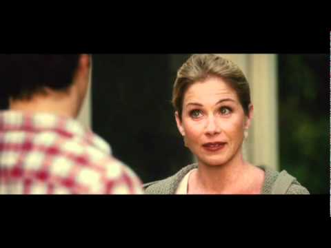 Christina Applegate will cut Justin Long's Balls off - Clip