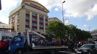 Fatih Koleji'ne polis eşliğinde yıkıma geldiler