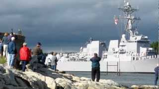 Navy destroyer \