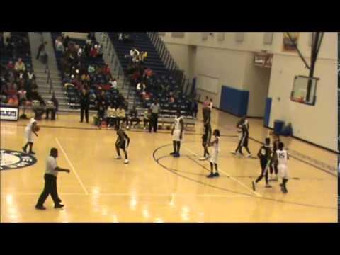 Maurice Murphy #32 First Half Game Against Elba High School
