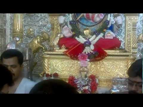 Shrimant Dagdusheth Halwai Ganapati Aarti video