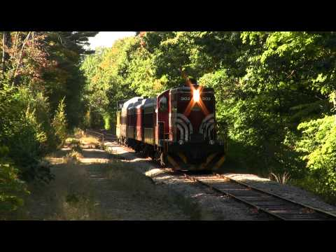 Winnipesaukee Scenic Railroad GP7 - Meredith, NH - 10/3/10