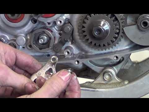 Honda CRF450 Clutch  Kick Starter and Gear Shift Dis