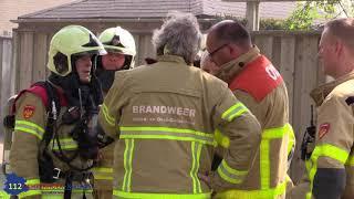 Grote brand vervoers auto en boot in garage in Groenlo