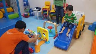 Tin đi chơi nhà bóng với rất nhiều đồ chơi - Kid Toys Video For Kid