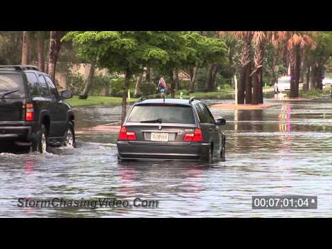 9/11/2012 Siesta Key, Florida Luxury Car Flooding Stock Footage