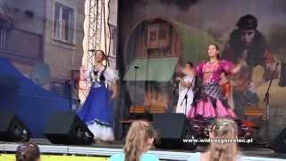 01Patrycja i Angelika Siwak. V Festiwal Kultury Romskiej w Lubaniu 2012