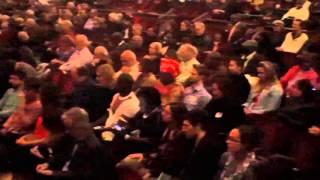 Youssou Ndour fait observer une minute de silence au Michigan (USA)