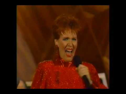 Maureen Mcgovern - Strike up The Band