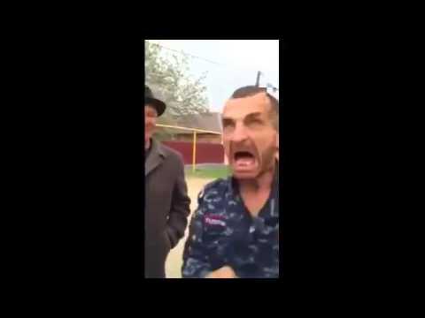 Асхаб Бурсагов и Ельцин пьют моторное масло