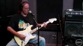Watch Walter Trout The Sky Is Fallin Down video