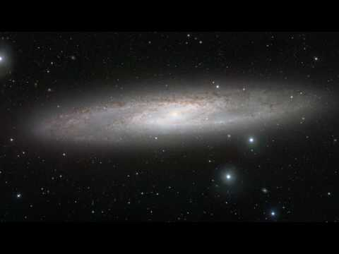 Zooming Into The Sculptor Galaxy (NGC 253) [720p] Video