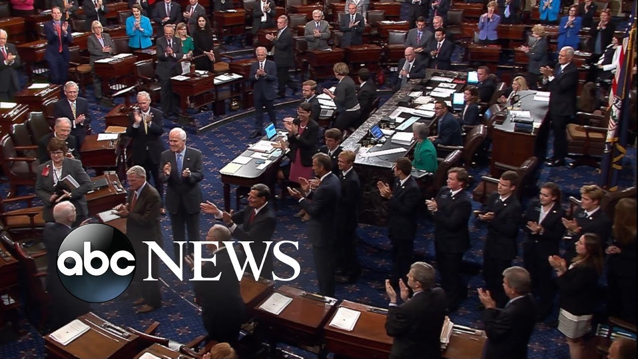 McCain gets standing ovation when he returns to DC after diagnosis