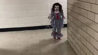 IT Pennywise Clown - Best Halloween Costume Ever!