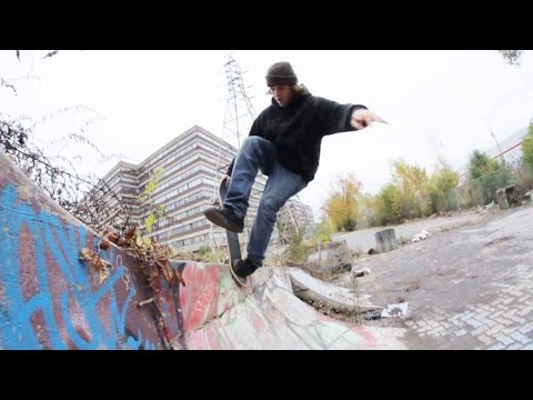 Ethernal Skate Films / Skateboarders Rolling the Spots of Montreal