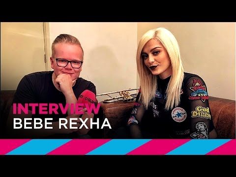 "Bebe Rexha: ""Everybody thinks my ass is fake"" 