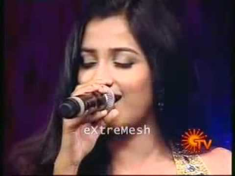 Munbe Vaa Live by Shreya Ghoshal