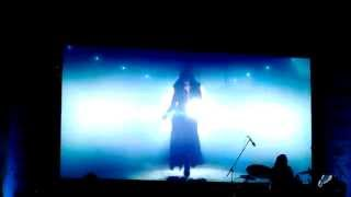 Sunidhi Chauhan Live At IIMA- Entry With Dhoom Machale